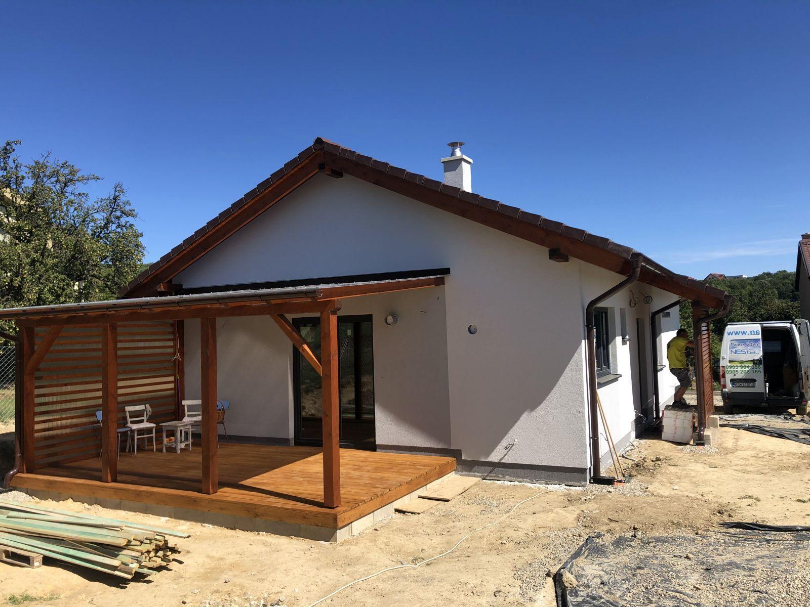 pergola a drevená terasa
