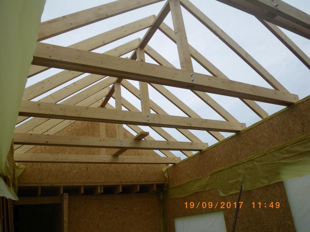 montáž sedlovej strechy