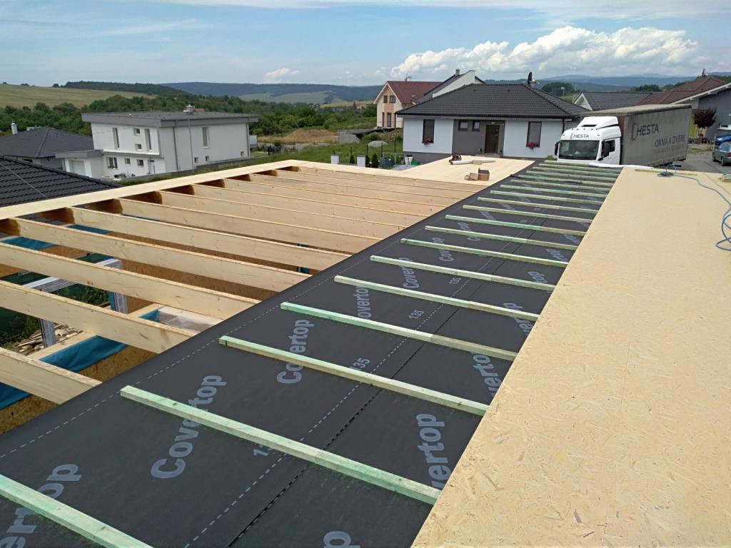 montáž pultovej strechy