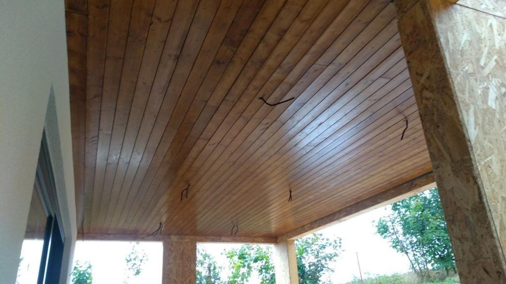 montáž dreveného podhľadu